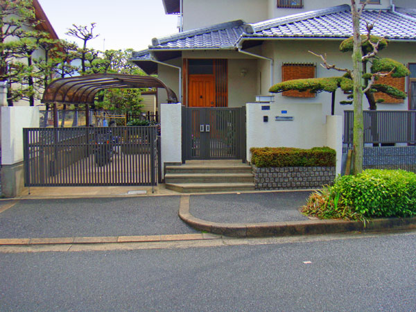トータルコーディネートのクローズ外構 – 大阪府茨木市 M様邸
