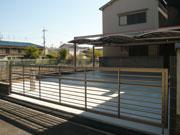 横3台用のカーポート屋根があるガレージ – 大阪府柏原市 F様邸の詳細はこちら