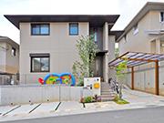 可愛らしさと快適さを兼ね備えた外構リフォーム – 兵庫県川西市 K様邸の詳細はこちら