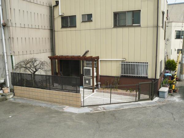 花壇に囲まれた使い勝手のいいお庭~大阪市 A様邸