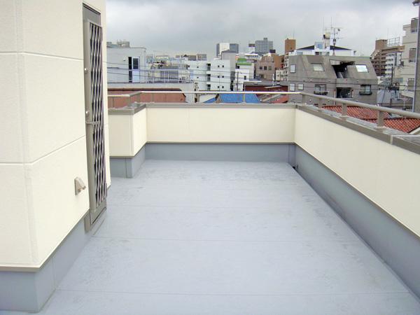 明るい屋上スペースに – 大阪府大阪市 H様邸の施工前