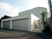 白い家にあう4台駐車とシンプルモダン外構 – 大阪府堺市 O様邸の詳細はこちら