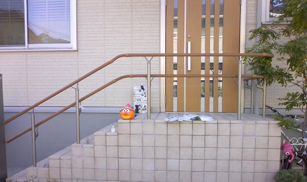 目隠しと転落防止を兼ねたモダンな手摺り – 大阪府堺市 O様邸の施工前