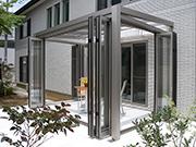 子供達が遊ぶ植栽溢れるガーデン – 大阪府堺市 T様邸の詳細はこちら
