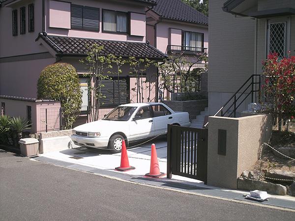防犯対策で安心快適な門周り – 大阪府吹田市 K様邸の施工前