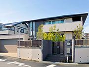 リフォームで見違えるスタイリッシュな外構へ – 大阪府吹田市 T様邸の詳細はこちら