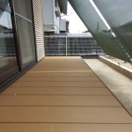 スタイルシェードが窓辺の日差しを和らげます
