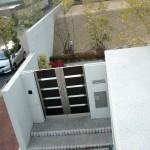 施工前:門廻り部分を駐車スペースに