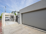 広々とした駐車場のあるエクステリアへ – 大阪府高槻市 T様邸の詳細はこちら