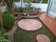 外で過ごすのが楽しみな庭 - K様邸