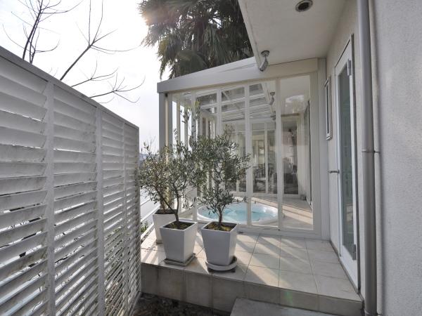 景色を楽しむリゾートガーデン – 大阪府豊中市Y様邸