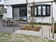 ワンちゃんが走りまわれるお庭と駐車場から雨に濡れないアプローチ – 大阪府豊中市 K様邸の詳細はこちら