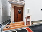 休日に猫と過ごす新築外構の家-豊中市T様邸の詳細はこちら