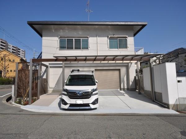 スタイリッシュな門廻り、駐車スペースにリフォーム - 大阪府豊中市S様邸