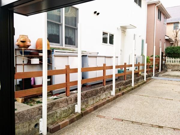 建物と調和のとれた目隠しフェンスとスロープリフォーム - 大阪府箕面市Y様邸の施工前