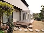 ココマとウッドデッキのあるお庭にリフォーム ー 大阪府吹田市I様邸の詳細はこちら