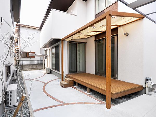 既存デッキを生かした快適な空間づくり – 大阪府豊中市 H様邸