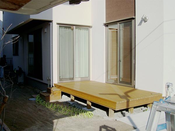 既存デッキを生かした快適な空間づくり – 大阪府豊中市 H様邸の施工前
