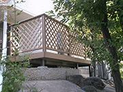 ウッドデッキで安全な空間作り – 大阪府豊中市 I様邸の詳細はこちら