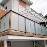 デッキ部分にはテラス屋根を設置。