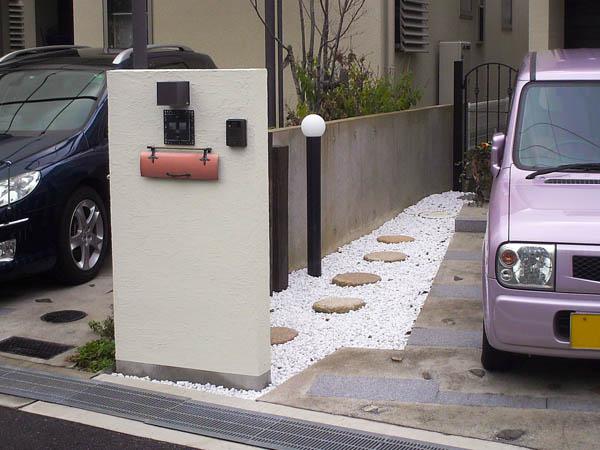 周囲とはひと味違う門柱まわりにリフォーム – 大阪府豊中市 I様邸