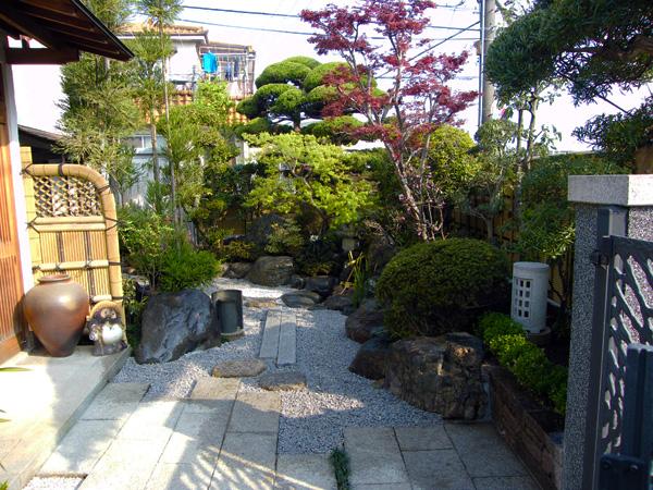 心癒されるくつろぎの和風庭園リフォーム – 大阪府豊中市 K様邸