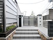 モダン空間オープンからセミクローズにリフォーム – 大阪府豊中市 O様邸の詳細はこちら