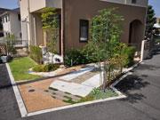 変形地を活かした楽しいお庭 – 大阪府豊中市 S様邸の詳細はこちら