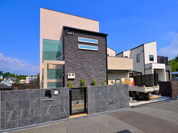 クローズガレージにリフォーム – 大阪府豊中市 U様邸の施工前