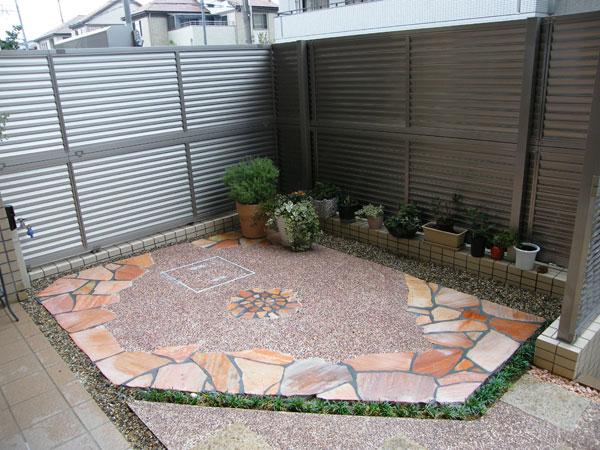 犬と子供が遊べる温かい空間の庭 – 大阪府豊中市 Y様邸