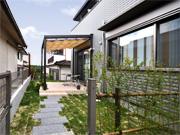 テラスで夢が膨らむガーデンプラン – 大阪府豊能郡 M様邸の詳細はこちら