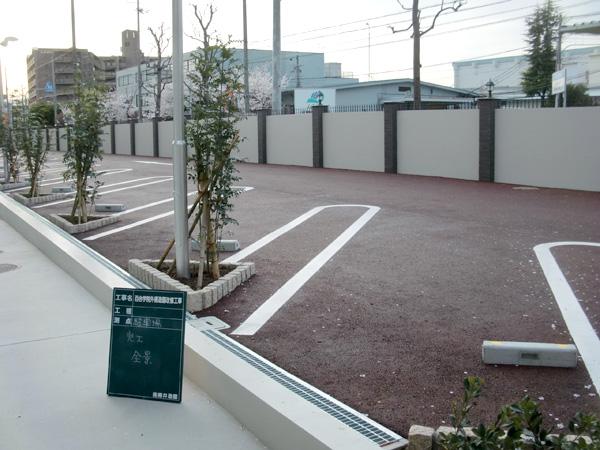 施工後:校内から切りはなした駐車場として有効利用