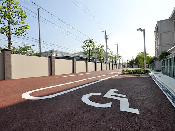 施工後:駐輪場は別の場所に移設して駐車スペースを確保