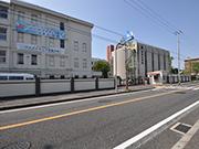 【外周工事:西側入口・駐輪場】伝統を感じさせる格式高い外観・明るく安全な構内へ – 兵庫県尼崎市 百合学院中・高等学校の詳細はこちら