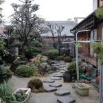 施工前:植栽を楽しむ眺める和庭。控えブロックが邪魔でした