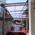 カーポートとテラスの屋根の隙間を加工し雨にぬれないように(2)