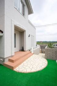 庭廻りの人工芝