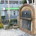 石釜で焼くピザやパンはすごく美味しい!