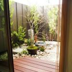 お風呂からだけでなく隣の和室からの坪庭の眺め