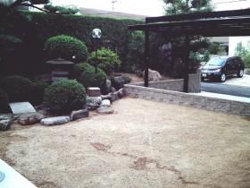 既存の和風庭園から見た眺め