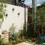 壁付けフックとオシャレな立水栓