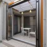 扉オープン:扉が前面に開くので開放感が広がります