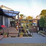施工後:ウッドデッキとテラス屋根で庭に出やすくなりました
