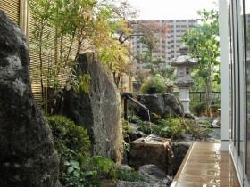 悠然としたお庭の風景