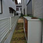 施工前:草が生えて手入れが大変だったスペース