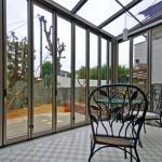 ガーデンルーム室内からの眺め
