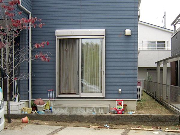 木目調のフェンスがおしゃれなウッドデッキ – 大阪府羽曳野市 K様邸の施工前