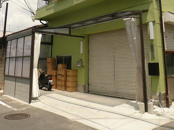 開放感のある門周り・特殊納まりのテラス屋根 – 大阪府東大阪市 H様邸