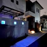 夜の雰囲気 光るガラスブロック