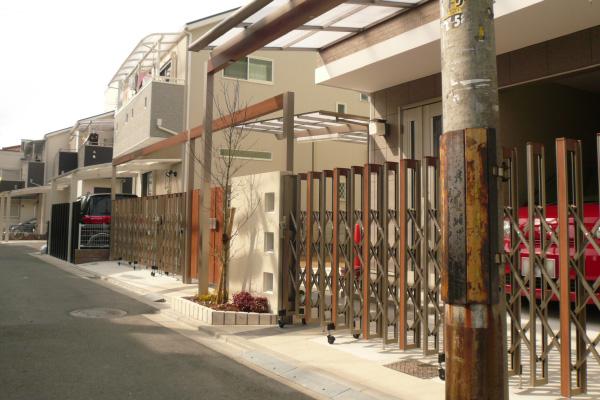 プラスGのゲートがある外構 子供達の集まる空間があるお庭 – 大阪府東大阪市 T様邸